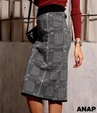 ●チェックニットスカート